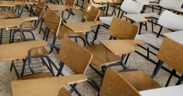 Снимка Булфото, архивСедмица след първия звънец две училища затвориха заради