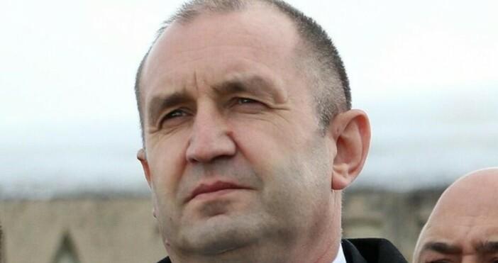 Снимка: БулфотоПрезидентът Румен Радев, началникът на отбраната адмирал Емил Ефтимов