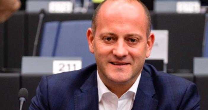 Снимка: Фейсбук/Радан КъневСедмица преди насрочения в Европейския парламент дебатза върховенството