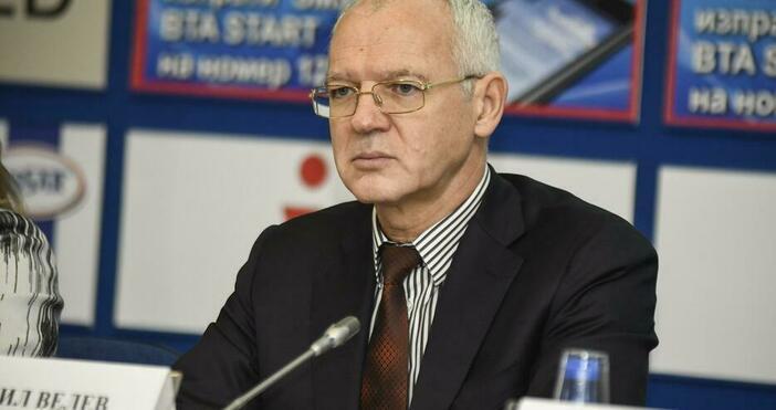 Снимка: БулфотоШефътна АИКБ Васил Велев коментира в ефира до какво