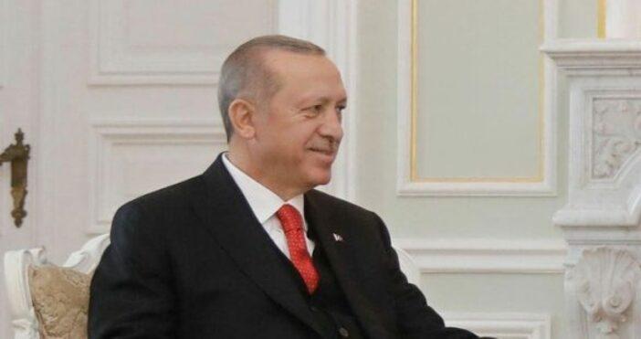 Снимка: БулфотоТурският президент Реджеп Тайип Ердоган за пореден път захапа