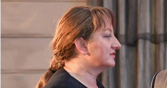 Снимка: БулфотоСоциалният министър Деница Сачевакоментира в ефира бюджета за 2021
