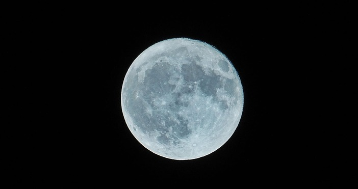 Снимка PexelsНови доказателства за съществуване на вода на Луната под