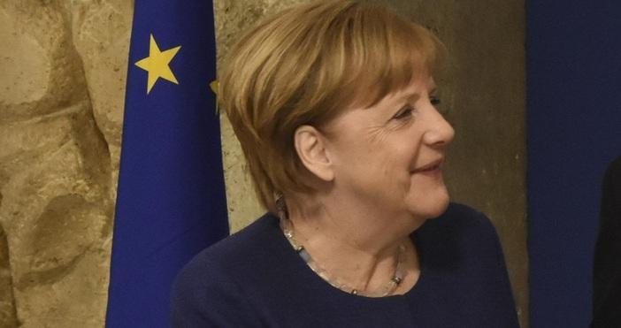 Снимка: Булфото, архивАнгела Меркел предупреди германците, че коронавирусът тепърва ще