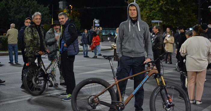 Снимка Булфото, архивПротестиращи блокираха бул.