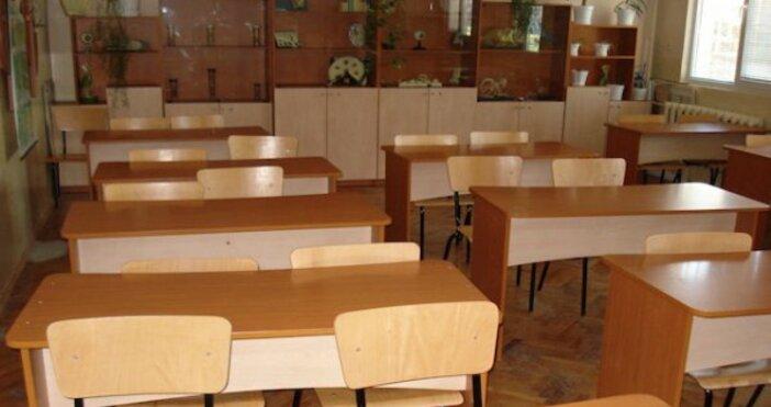 Всички училища на територията на община Лом са затворени още