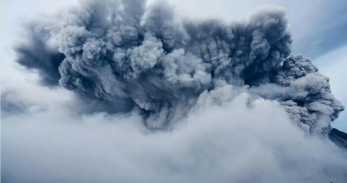 снимка: pixabayИзключително мощен вулкан изрига. Хиляди бяха евакуирани. Ето и