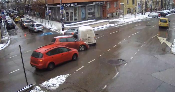 Кадър и видео Фейсбук/СДВРОт столичната полиция разпространиха видео с инциденти