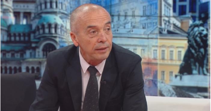 Кадър БНТДоц. Атанас Мангъров даде мнение за мерките срещу коронавируса.Той
