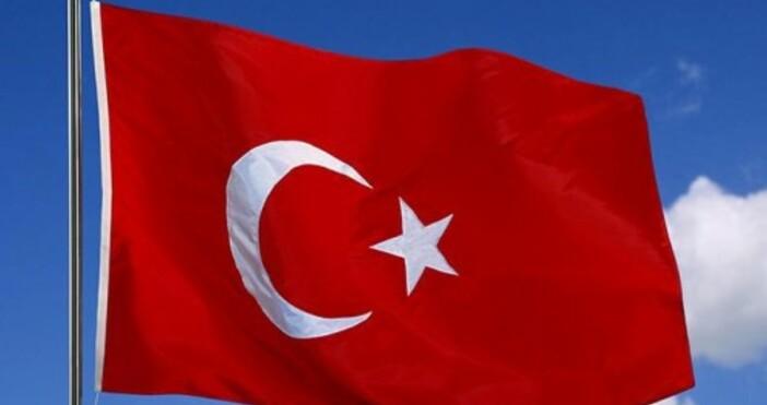 Снимкаznamena-flagove.comСпасителна акция тече в Черно море. Руски товарен кораб потъна