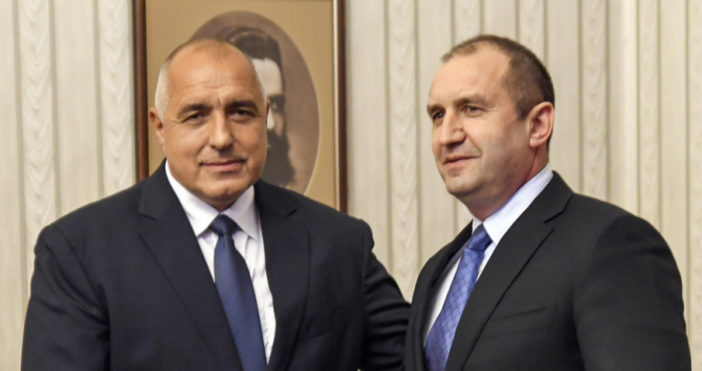 Снимка Булфото, архив Премиерът Бойко Борисов отново тръгна на инспекция