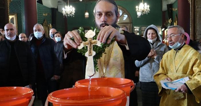 """снимки БулфотоС водосвет и рибен курбан известният варненска черква """"Св."""