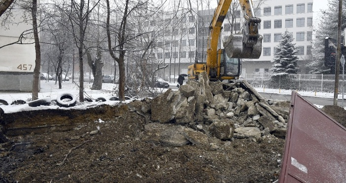 снимки БулфотоПродължава разрушаването на незаконните гаражи в София. След акцията