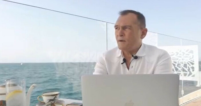 Бизнесменът Васил Божко даде интервю на живо във Фейсбук от