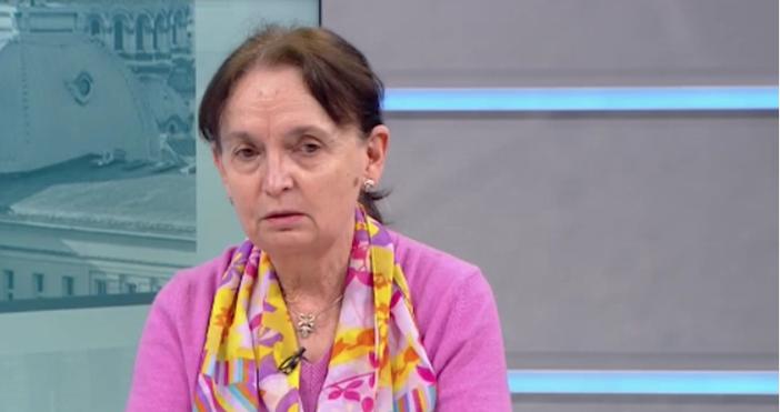 Кадър БНТБивш здравен министър направи коментар за ваксинацията срещу коронавирус
