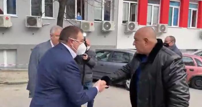 кадър и видео: Бойко Борисов, фейсбукБойко Борисов и здравният министър