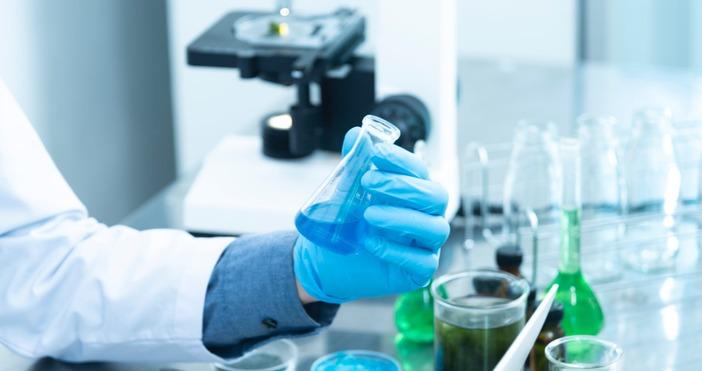Снимка PexelsПродължава производството на ваксини.Регулаторни органи във Великобритания и още