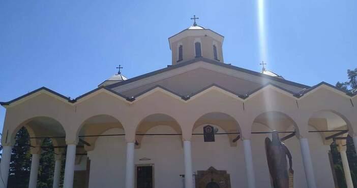 снимка: Лопушански манастирСъвремието ни изправя всекидневно пред различни изпитания. Те