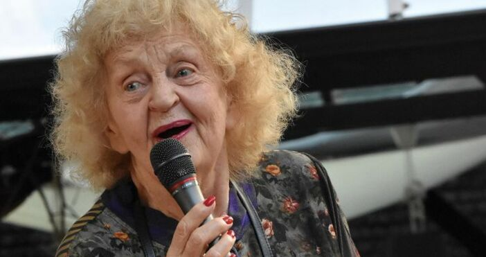 снимка: Булфотовидео: Нова твГолямата българска актриса Татяна Лолова почина вследствие
