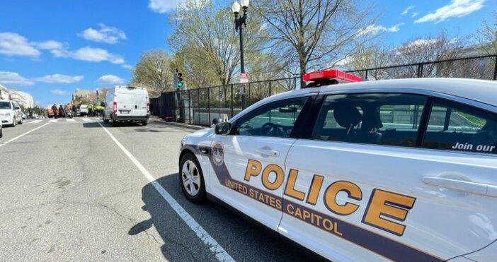 кадър:U.S. Capitol Police, ТуитърБайдън е наредил знамената на Белия дом