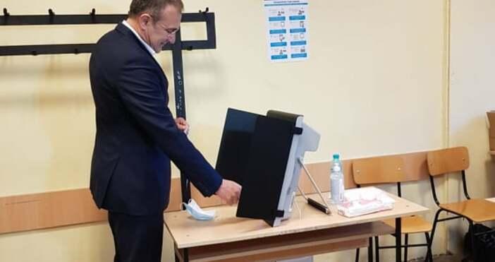 """Снимки: БСП Варна""""Днес не е поредният, обикновен изборен ден. Днес"""