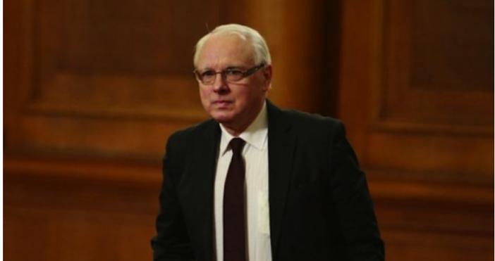 Снимка БулфотоДнес евродепутатът от БСП Иво Христов даде пространно радиоинтервю,