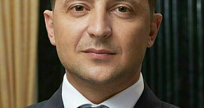 Снимкаpresident.gov.ua, уикипедияПрезидентът на Украйна Володимир Зеленски иска спешен разговор с