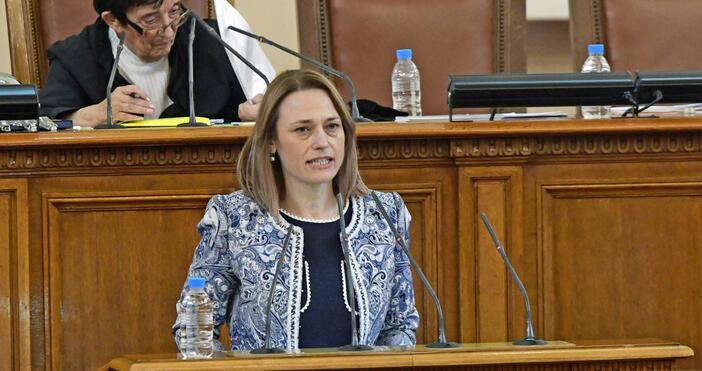 Снимка: БулфотоНовият председател на Народното събрание Ива Митева от