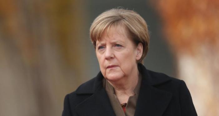 снимка БулфотоГерманската канцлерка Ангела Меркел получи първата си доза от