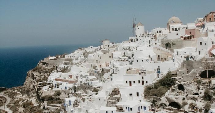 Снимка PexelsЛетният сезон наближава, но в в Гърция не може