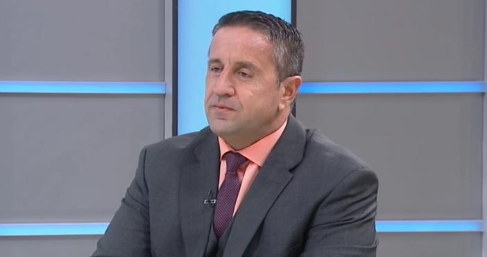 Кадър БНТ, архивГеорги Харизанов коментира политически теми и каза нещо
