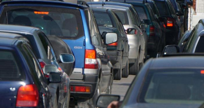 Снимка: Булфото, архивПоловин милион превозни средства се очаква да се