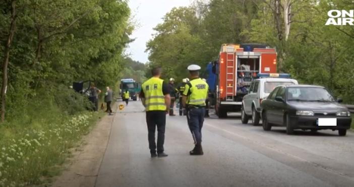 кадърТежък пътен инцидент отне живота на човекна пътя Велико Търново