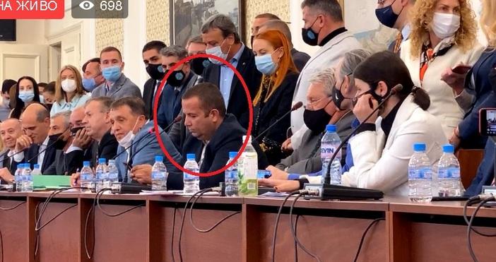 Бизнесменът Илчовски говорив Комисията по ревизия.