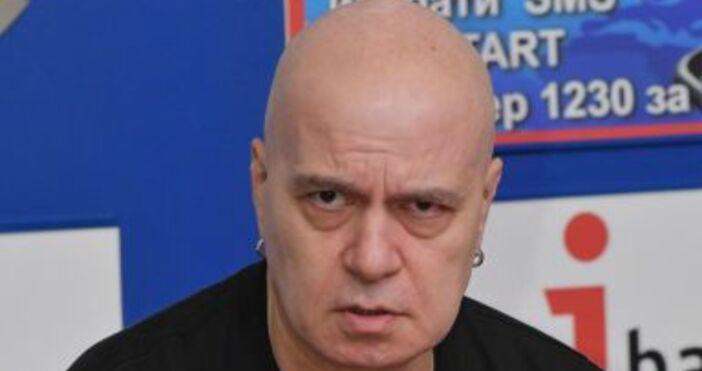 Снимка БулфотоДвет от големите ни телевизии обвиниха Слави Трифонов в