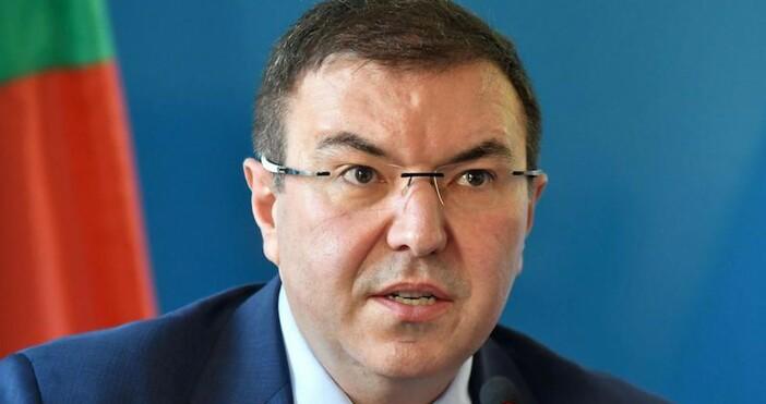 Снимка Булфото, архивЗдравният министър в оставка проф. Костадин Ангелов съобщи