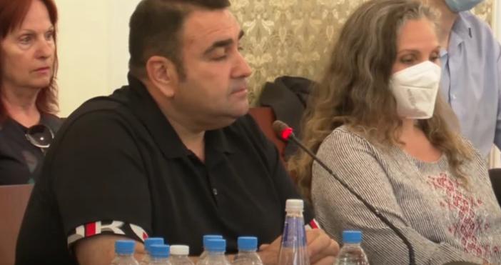 Кадър Фейсбук/ТВ ЕврокомБизнесменът Павел Стоименов предприе яростна атака срещу шефа