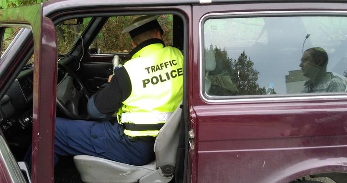 Снимка: ПетелОсъдиха мъж на две години затвор заради шофиране без