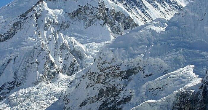 Фото:Photo by Pavel Novak, уикипедияПоредни трагедии на най-високия връх на