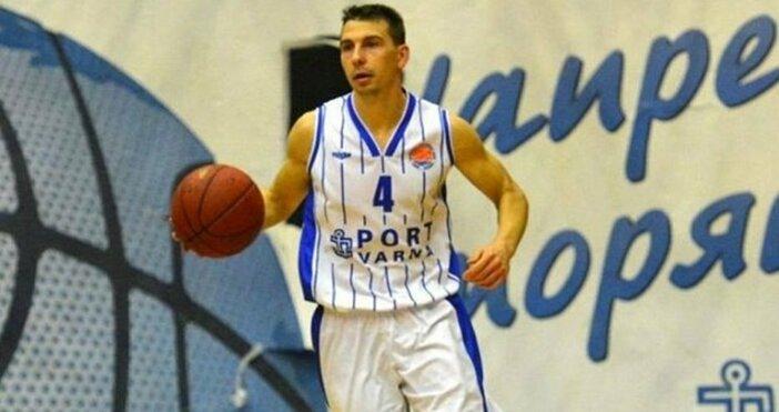 Автор: Александър Дечев,Снимка: Петел, архивДългогодишният капитан на баскетболния Черно море
