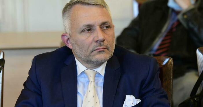 БулфотоФормацията ще запази името си, водят се преговори с нови