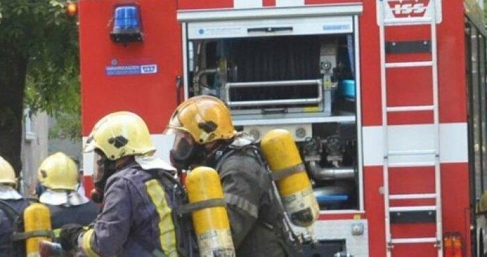 снимка: Булфото, архиввидео: Нова твДесетки линейки и пожарни коли в