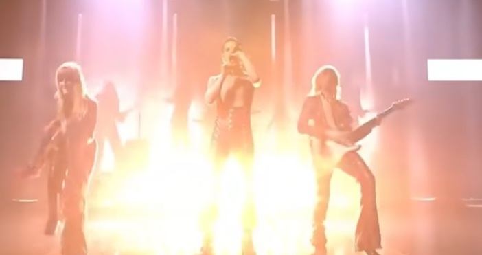 """Кадър ЕвровизияИталианската рок група Måneskin, чиито псевдоним означава """"лунна светлина"""""""