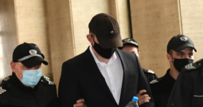 снимка БулфотоСпоред представената днес в съда химическа експертиза на23-годишниятКристиан Николов,