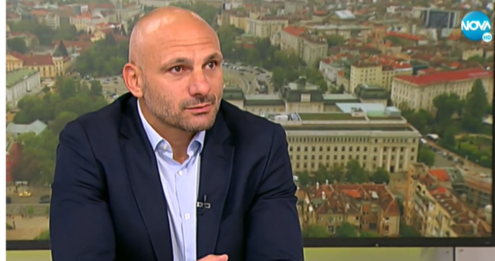 Кадър Нова ТвСтаниславНедков-Стъки обясни кога са започнали атаките срещунего.Кога стана