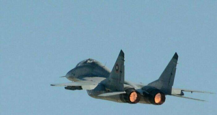Снимка Булфото, архивБившият военен пилот Величко Дерузов коментира пред :