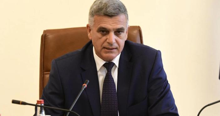 По искане на двата синдиката се проведе среща между КНСБ