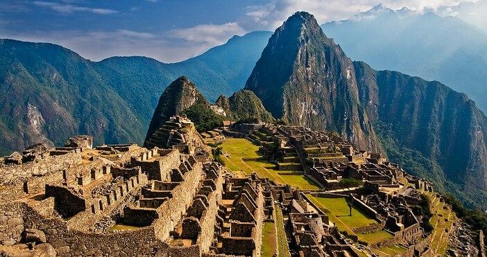 снимка:Pedro Szekely, УикипедияАмериканският изследовател Хирам Бингъм открива в Андите считания