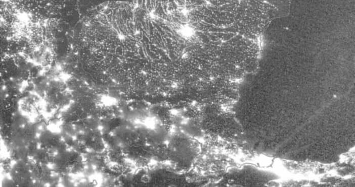 Метео БалкансСоциалната мрежа Фейсбук буквално прегря заради сателитна снимка на