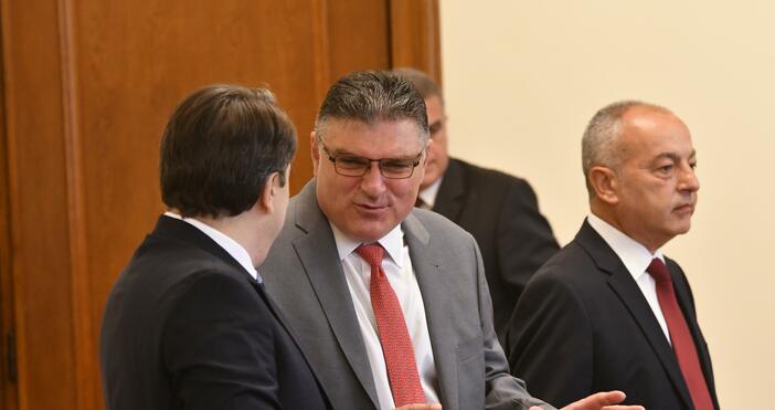 Снимка: БулфотоВоенният министър Георги Панайотов пропусна блиц контрола в парламента
